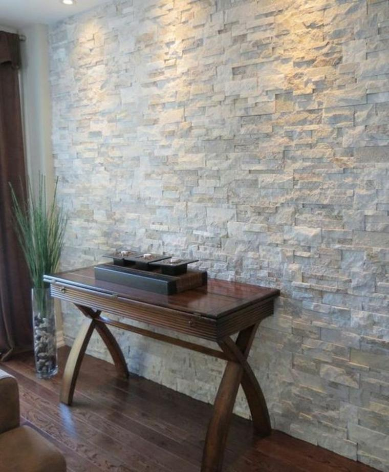 interior con paredes de piedra