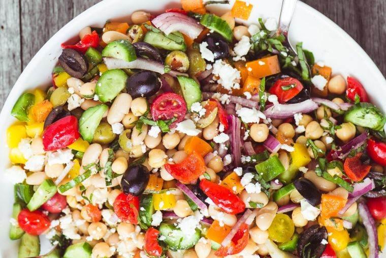 alimentos vegetales ricos en proteinas ensalada