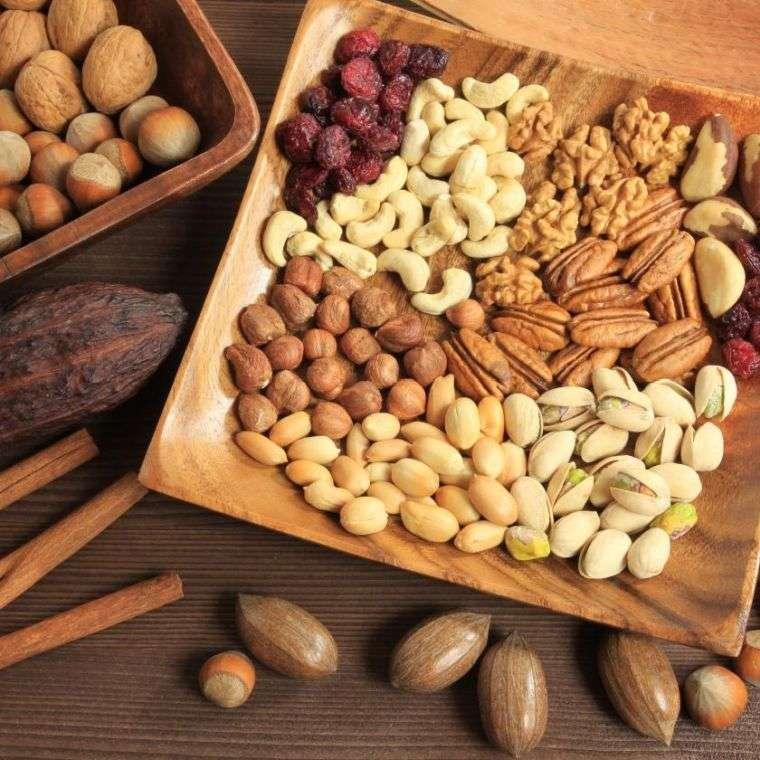 alimentos vegetales ricos en proteinas nueces