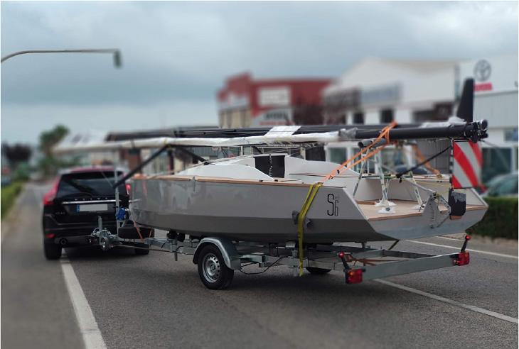 bote sencillo remolque moderno