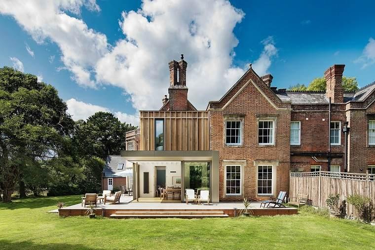casa-tradicional-ladrillo-madera