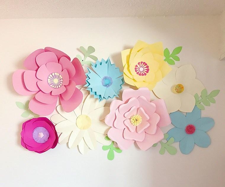 como hacer flores de cartulina creativas