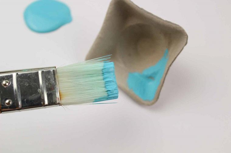 como hacer flores de cartulina pintura