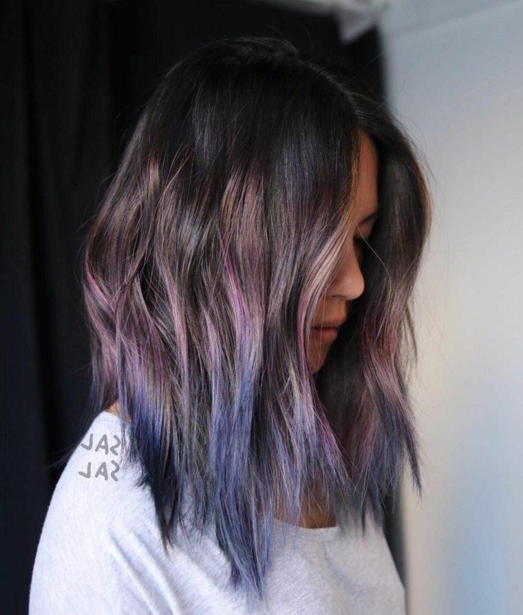cortes-cabello-capas-mechas-rosa