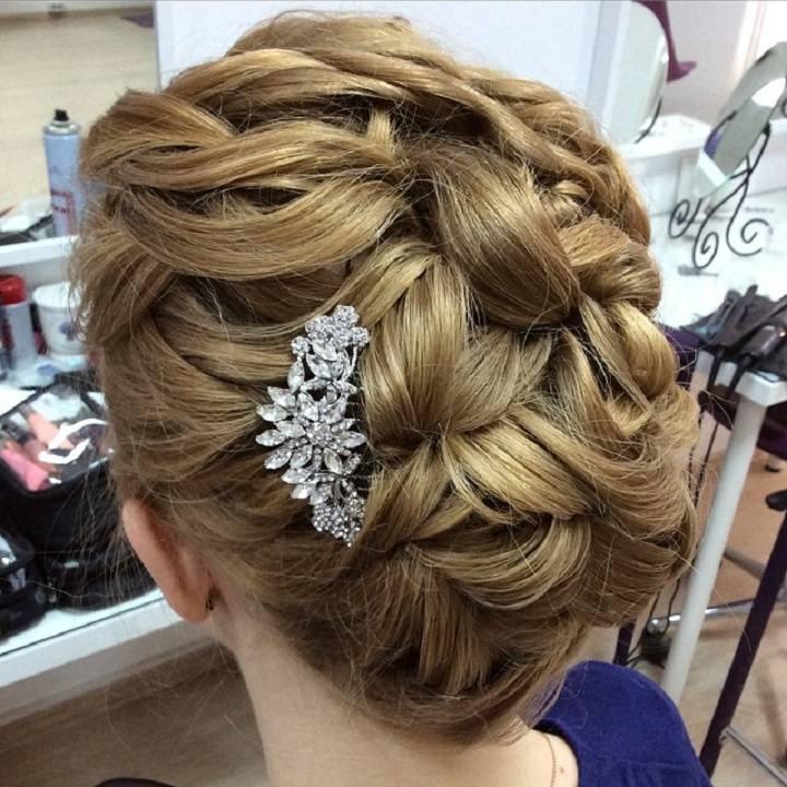 detalle-adornando-lateral-costado-pelo