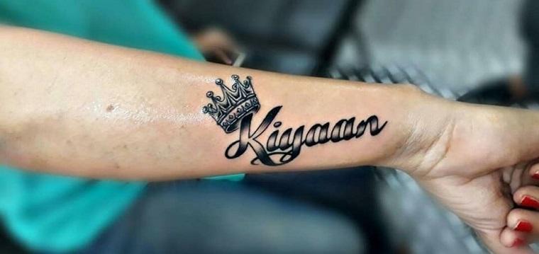 diseño-de-tatuajes-letras-bloque-corona