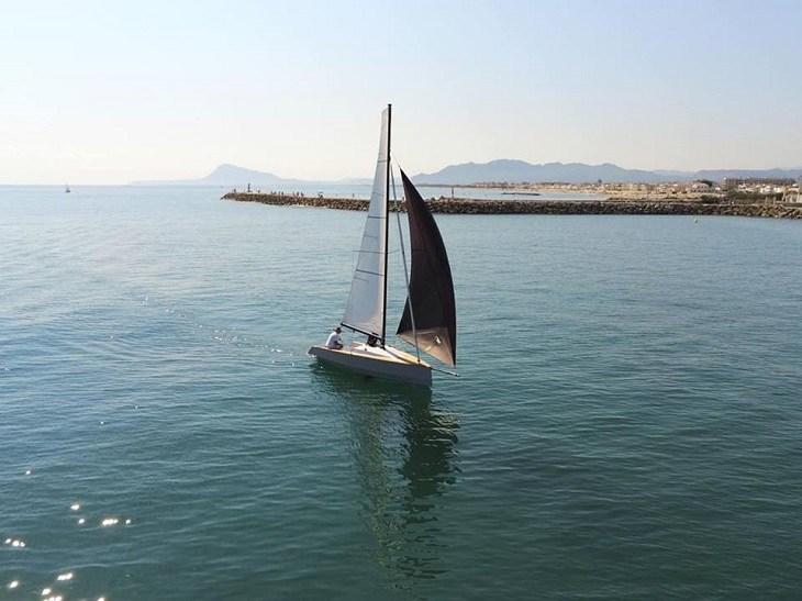 elegantes-formas-bote-moderno