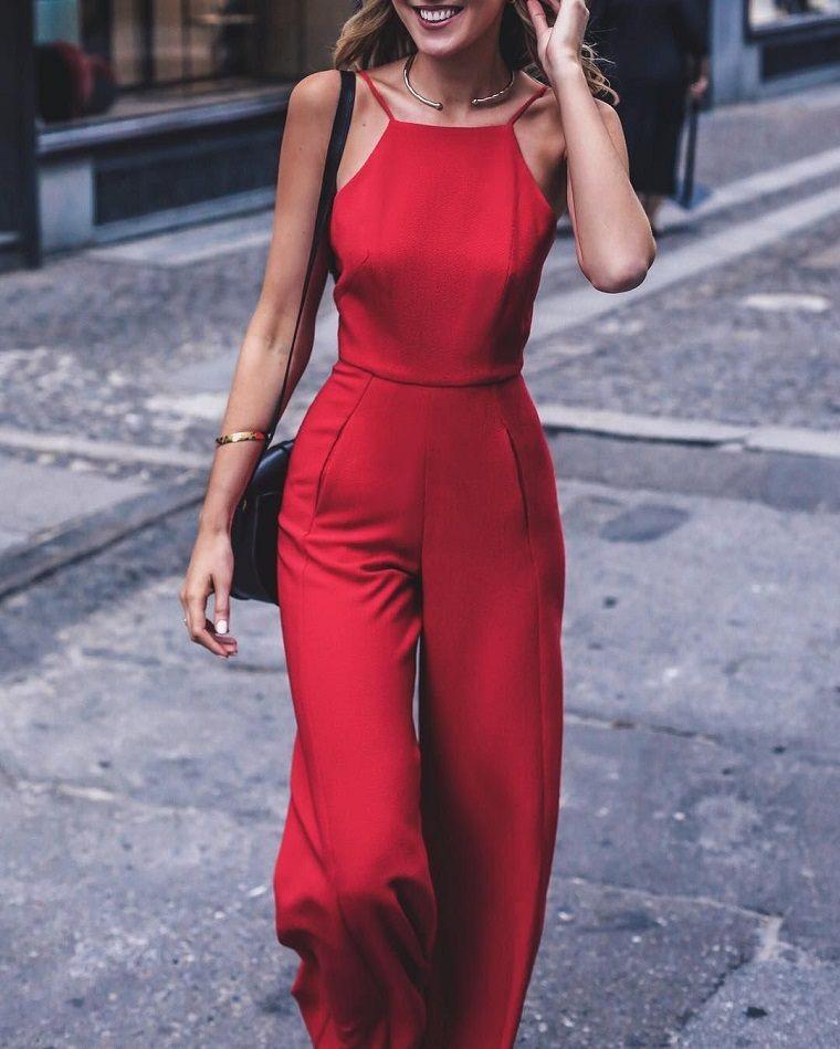 enterizo-rojo-vestir-invitada-boda