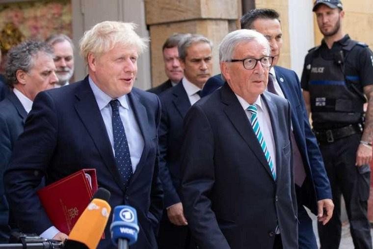 Gran Bretaña cerro el cuerdo de Brexit en Bruselas pero Johnson todavía necesita respaldo en casa
