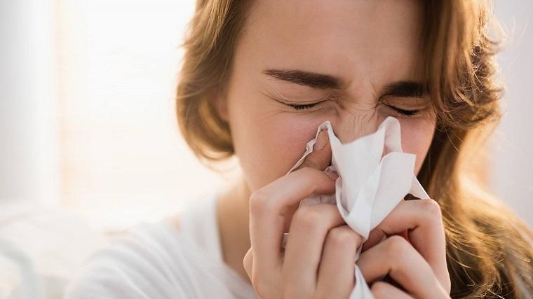 gripe-y-resfriado-sonarse-nariz
