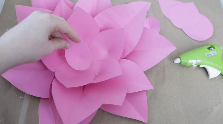 juntando-petalos-proyecto-flores-cartulina