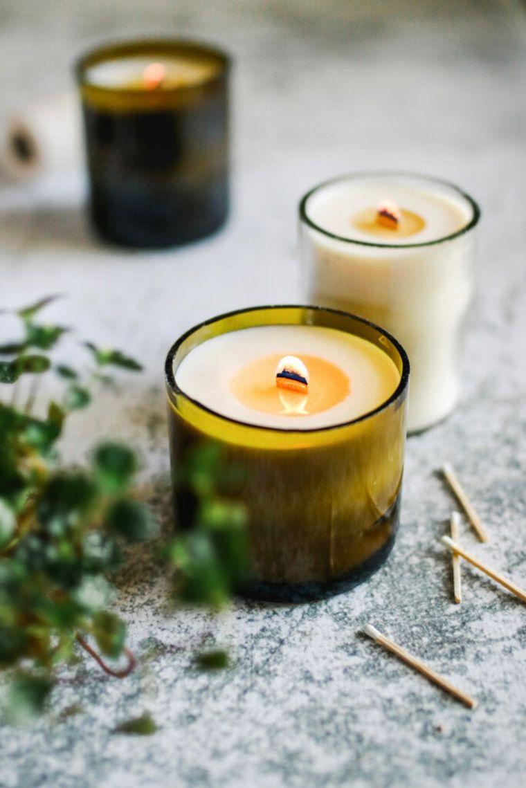 manualidades-de-botellas-cristal-candelabros