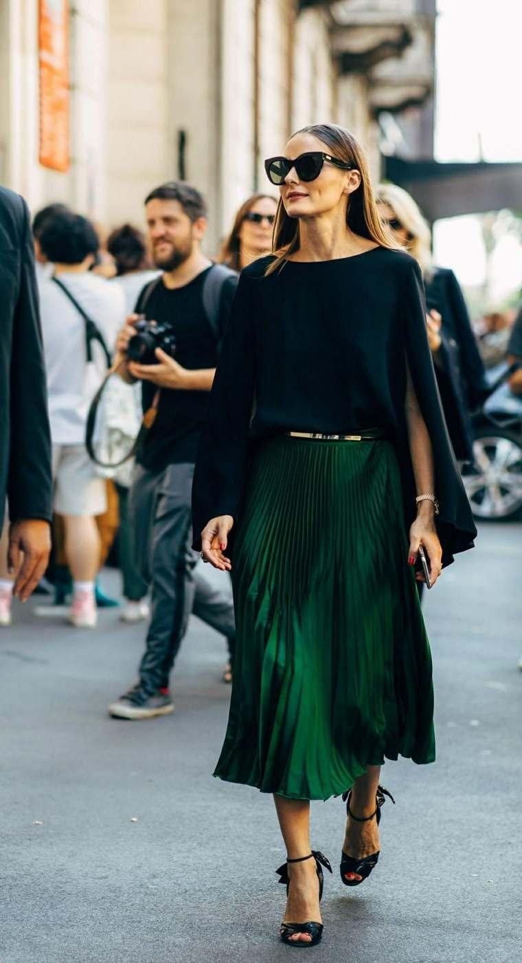 mujer-falda-diseno-largo
