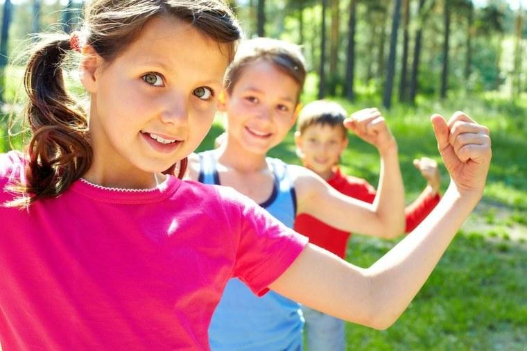 niños sanos y fuertes