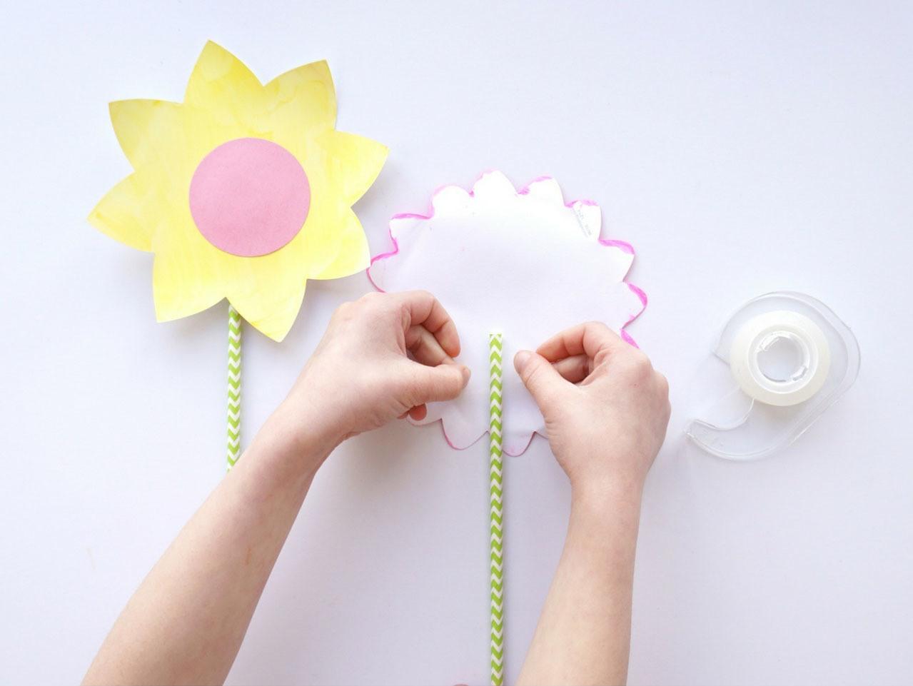 pajitas-colores-agradables-flores