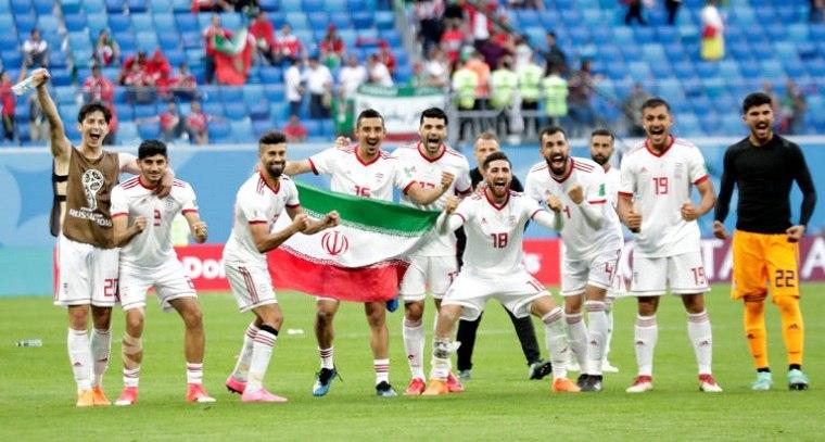 Mujeres de Irán asistirán a un partido de fútbol libremente por primera vez en décadas