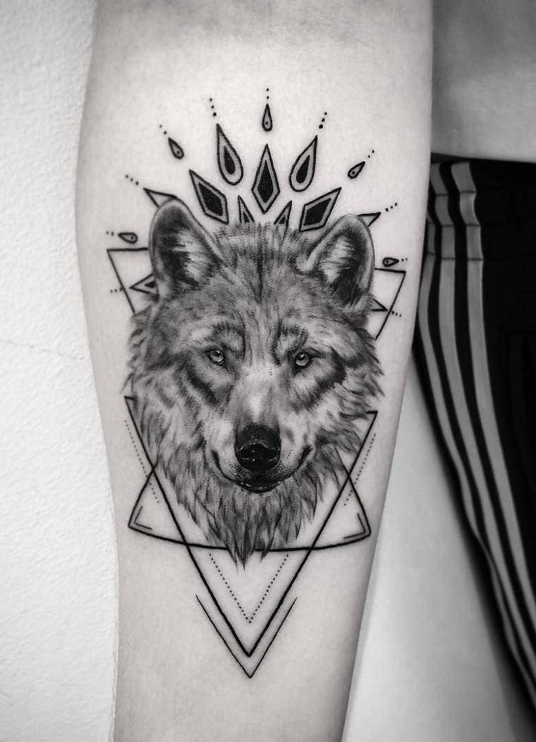 pequeno-tatuaje-lobo-ideas