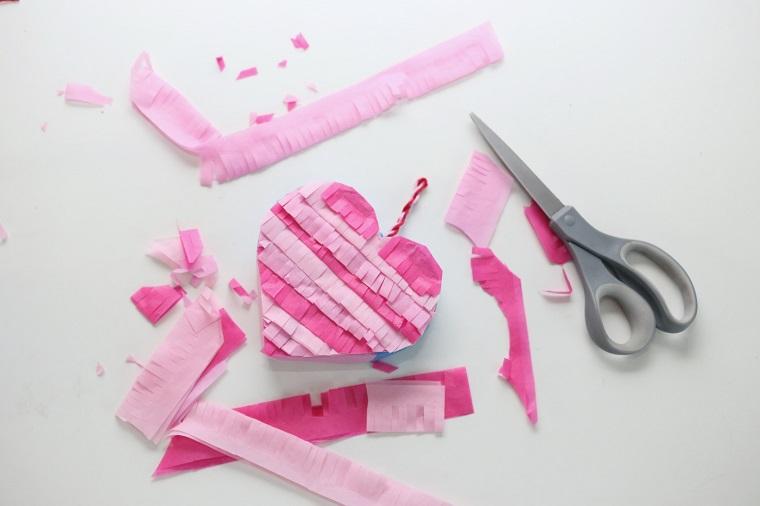 pinata-corazon-rosa