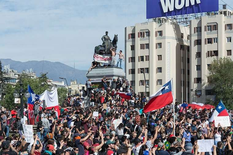 protestas en chile-estudiantes-incendios