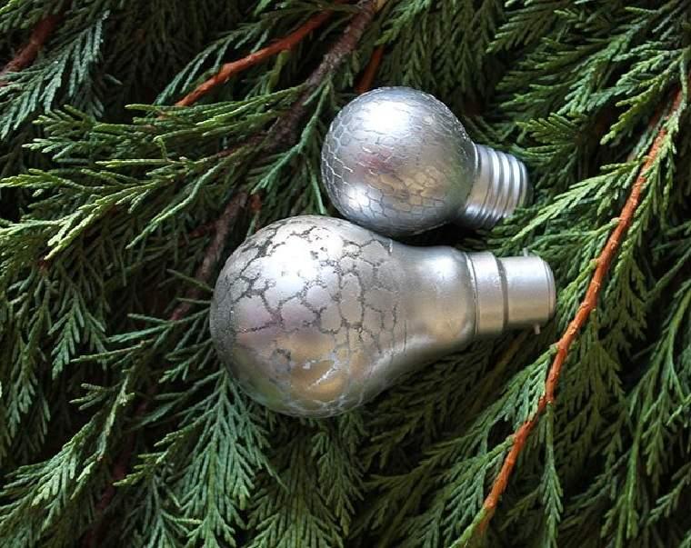 reciclar-bombillas-navidad-idea