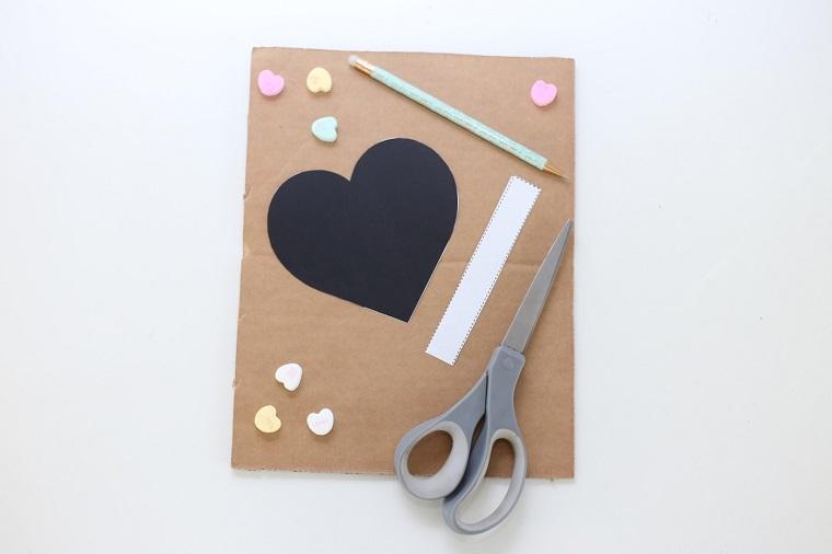 regalos-san-valentin-diy-opciones-pinata-corazon
