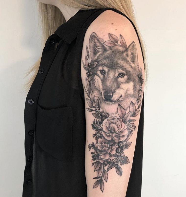 significado-de-tatuajes-de-lobos-ideas-hombro