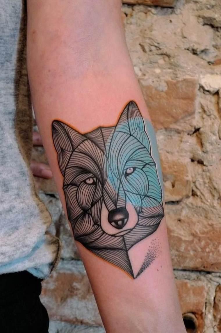 significado-de-tatuajes-de-lobos-rayas