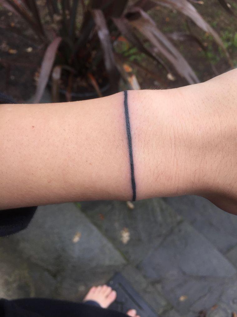 tatuajes de lineas pulsera