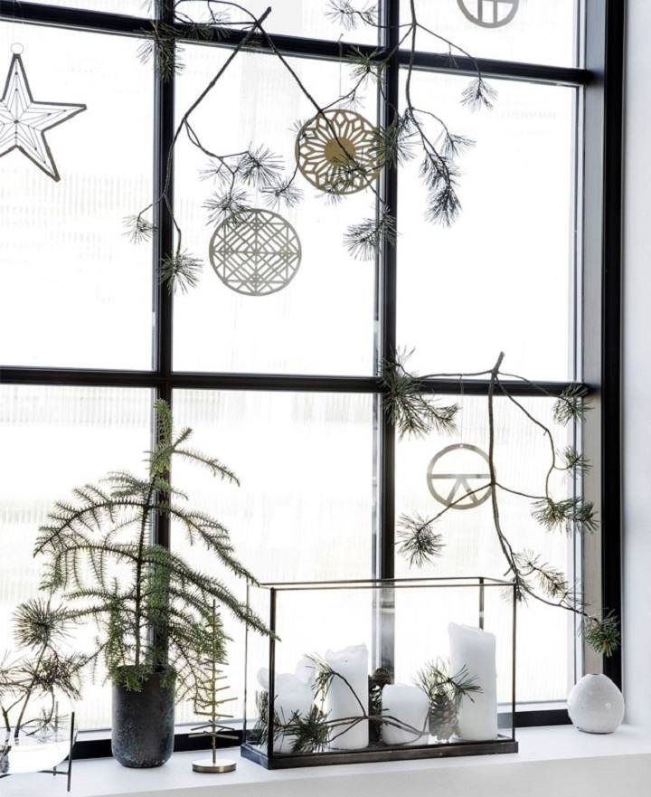 ventanas decoradas plantas navidenas