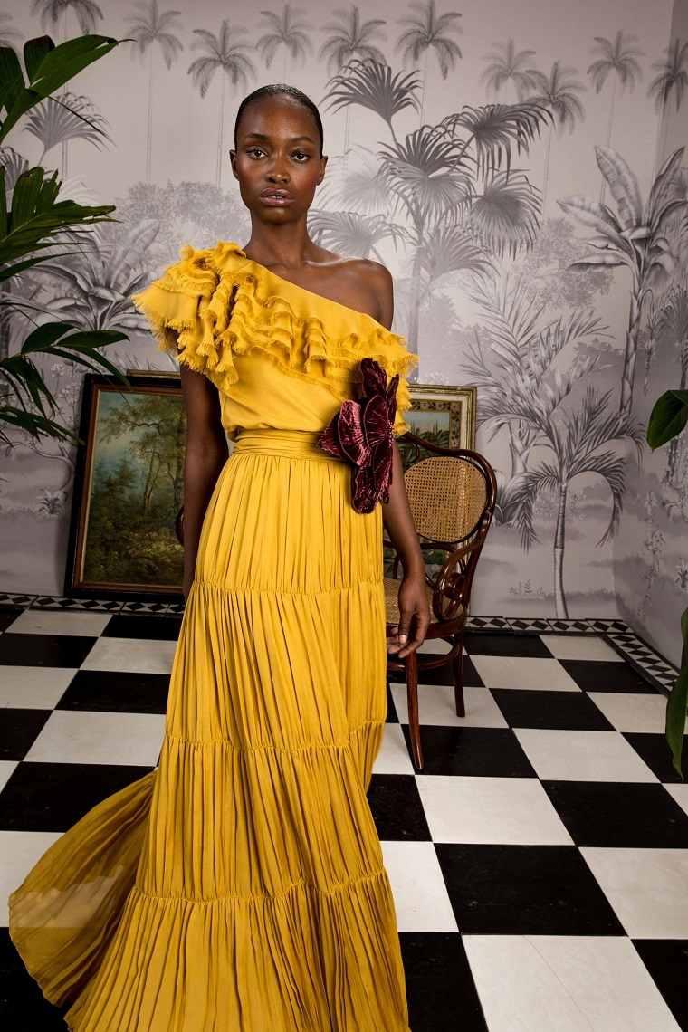 Johanna-Ortiz-vestido-amarillo-primavera-2020