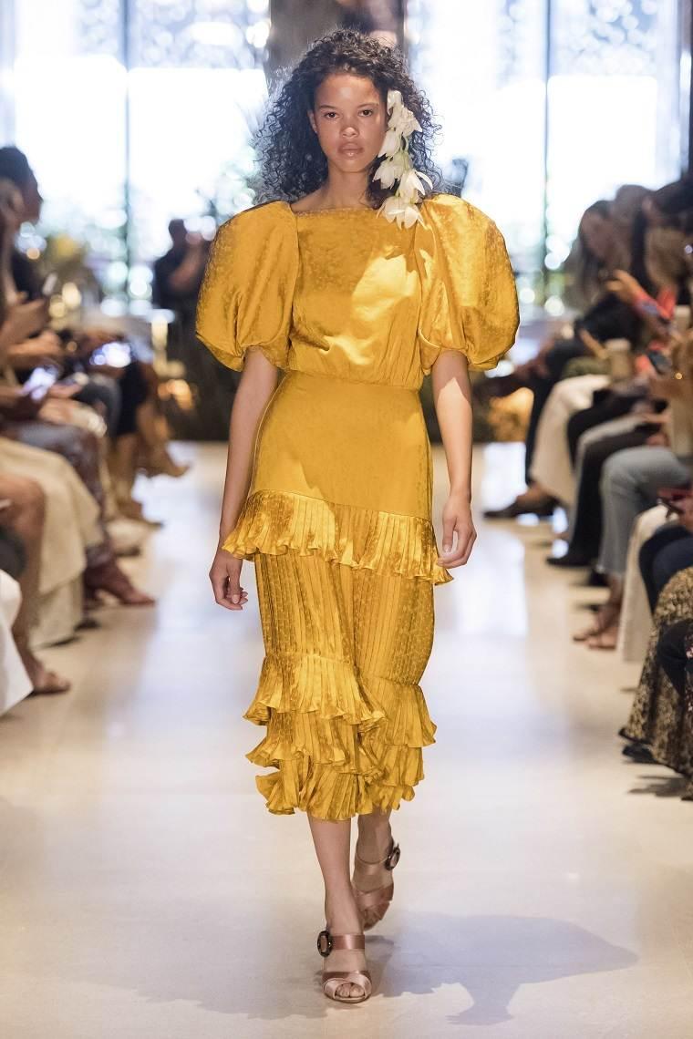 Johanna-Ortiz-vestido-amarillo