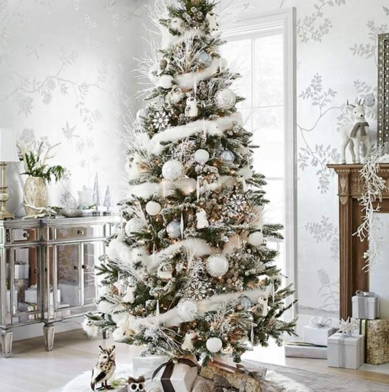 arbol-decoracion-adornos-blancos-estilo