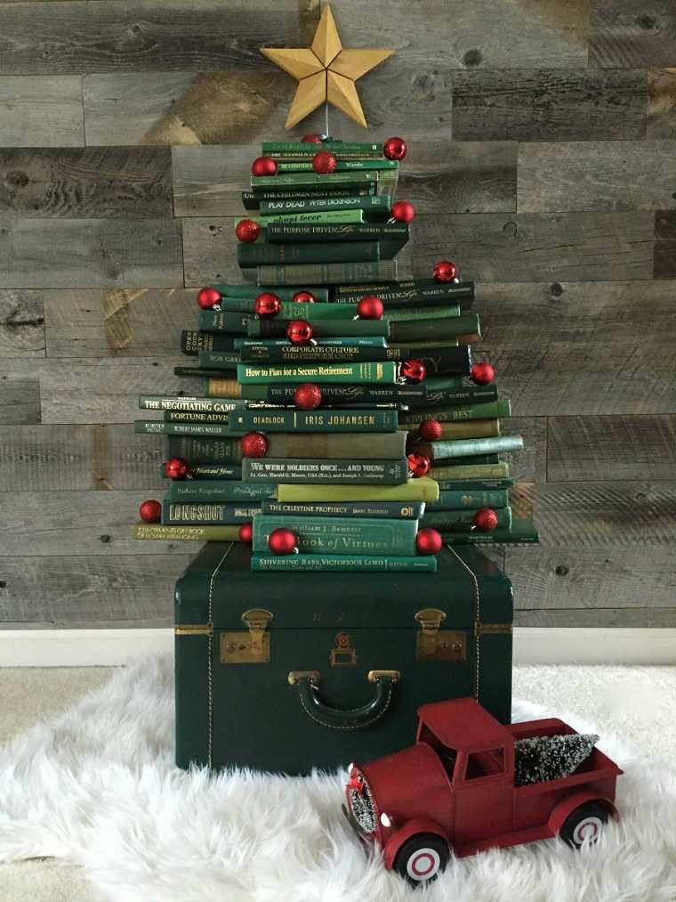 arbol-navideno-reciclado-libros
