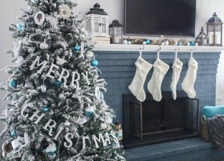 arboles-de-navidad-decorados-medias-blancas