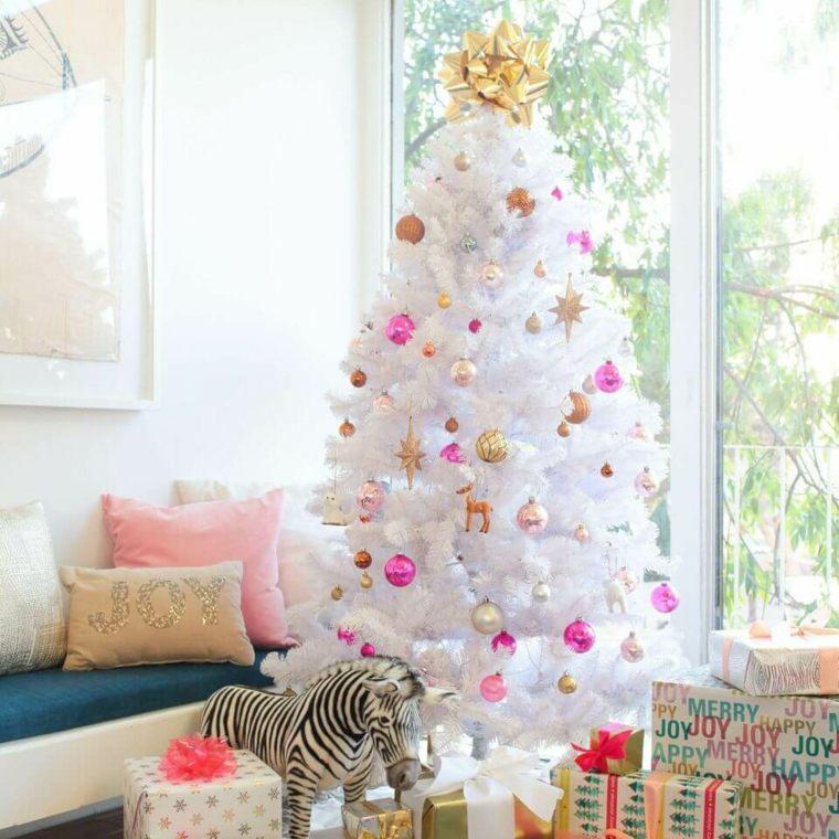 arboles-de-navidad-modernos-bolas-rosa