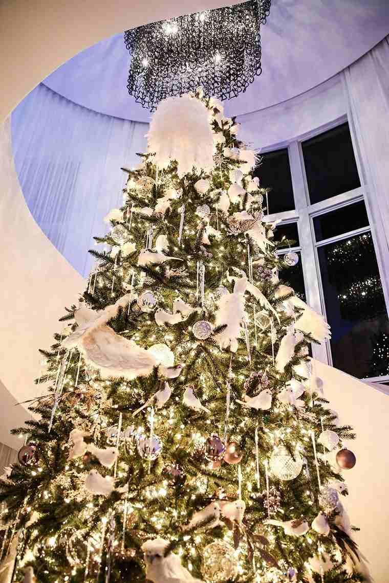 arboles-de-navidad-modernos-luces-lazos