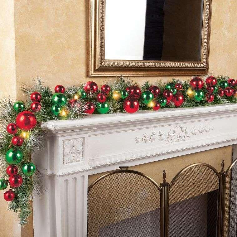 bolas de navidad chimenea