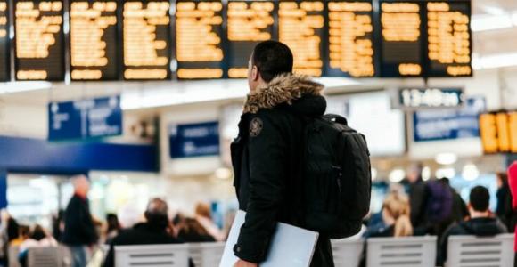 bolsa-de-viaje-viajeros-aeropuerto