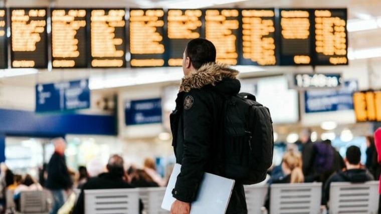 bolsas de viaje-viajeros-aeropuerto