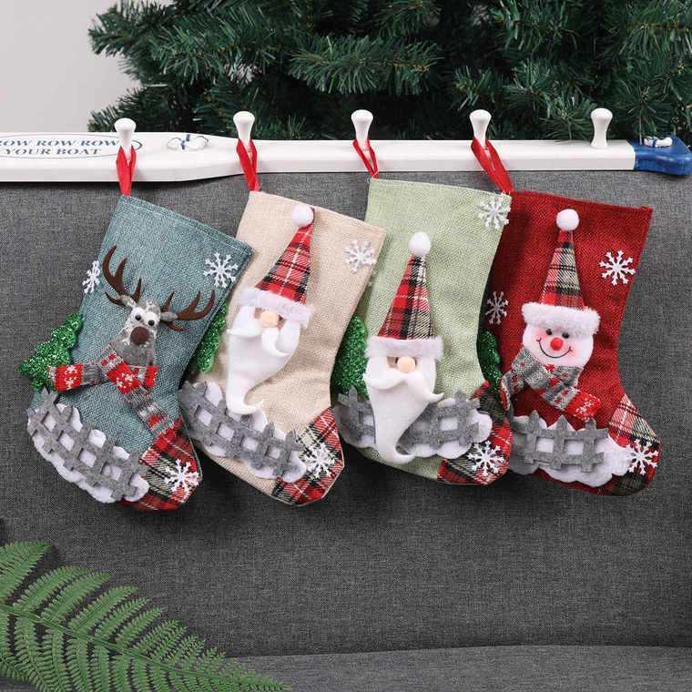 calcetines navideños sofa