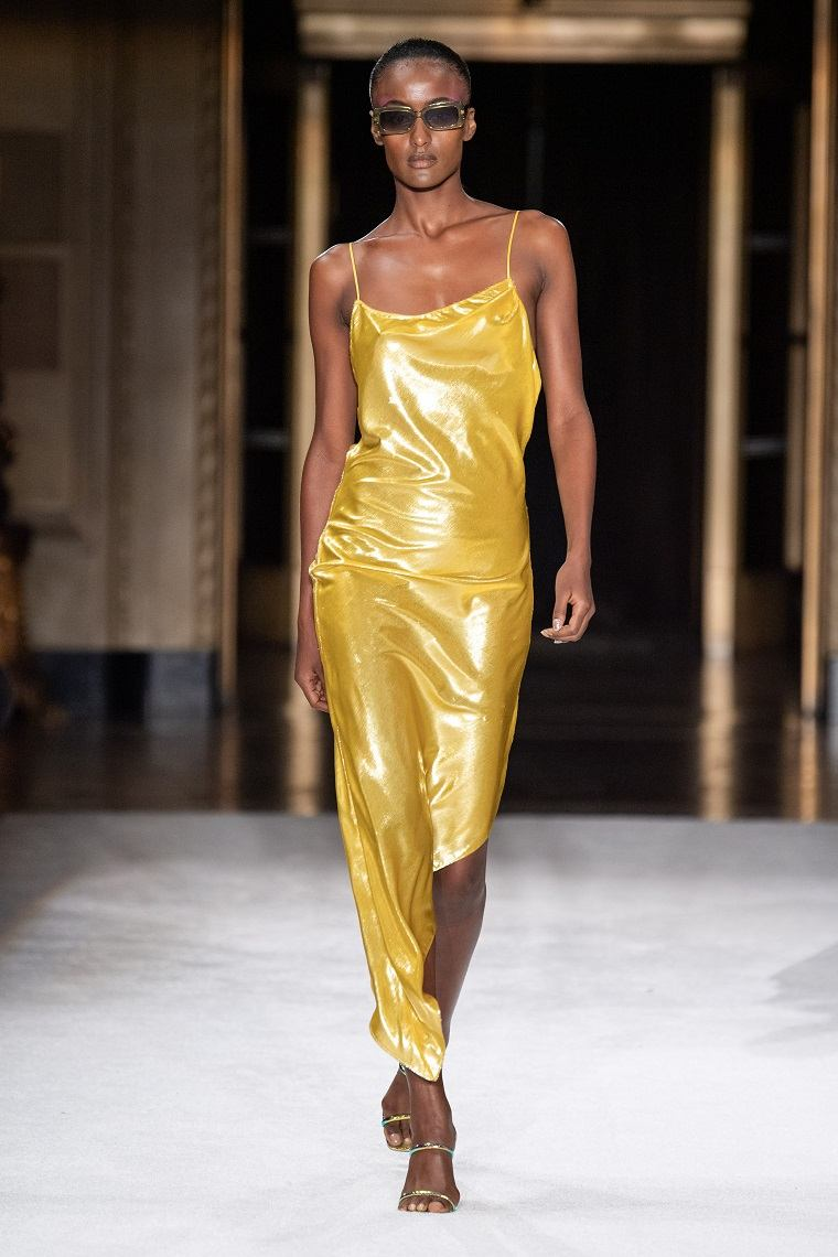 christian-Siriano-color-amarillo