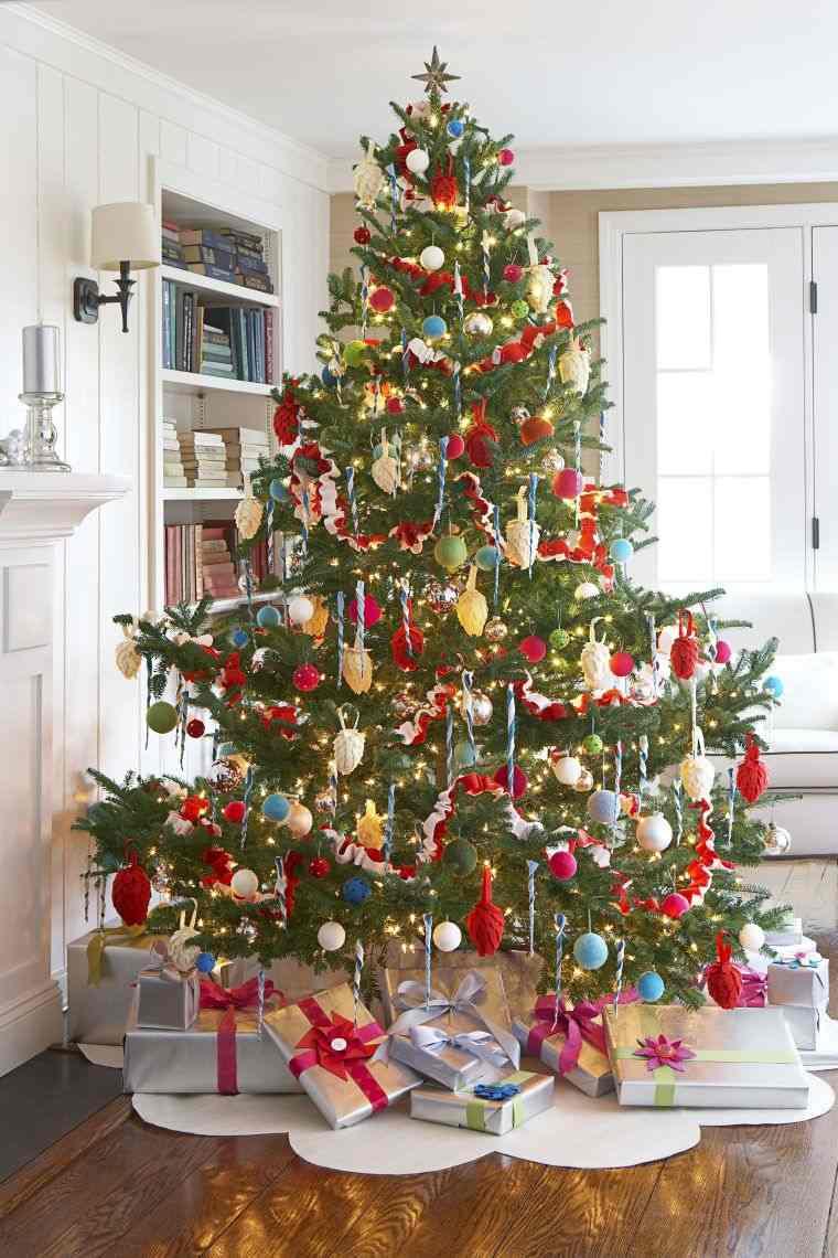 cómo adornar un árbol de navidad delicado