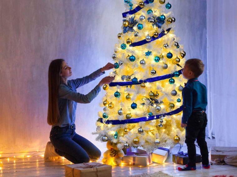 cómo adornar un árbol de navidad luz