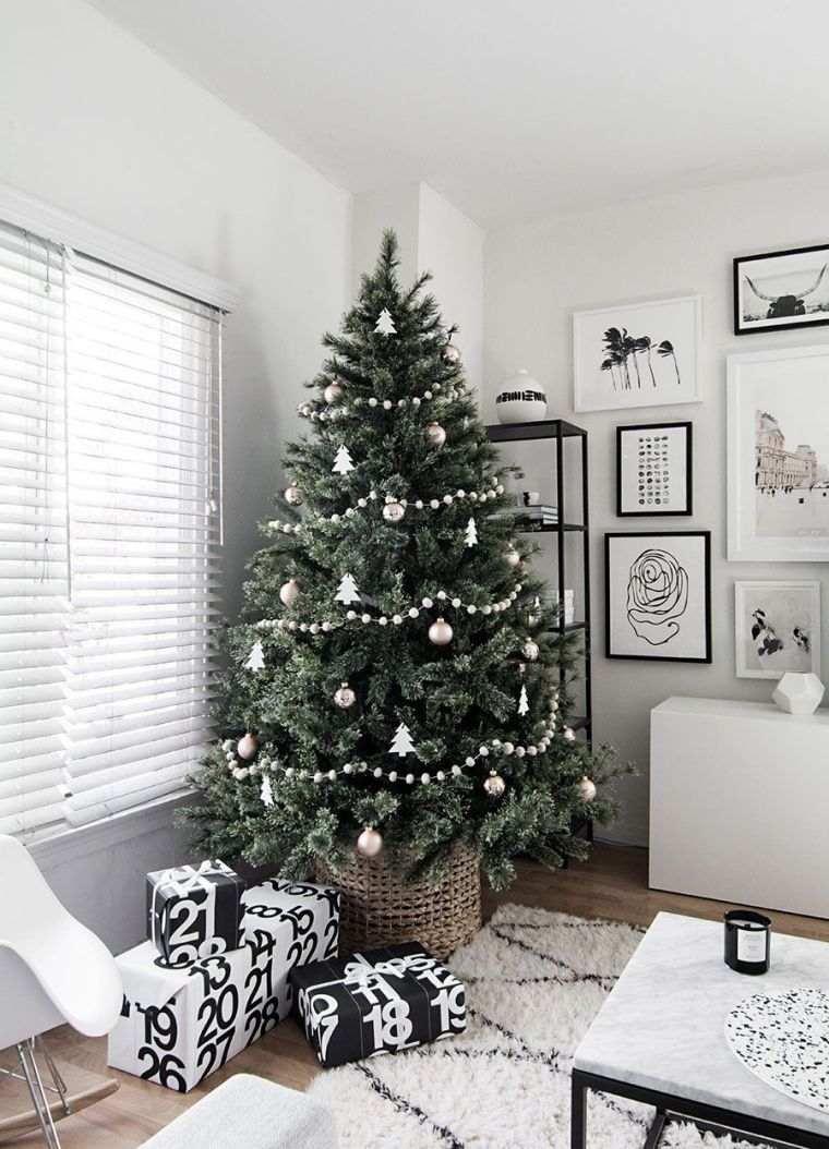 cómo adornar un árbol de navidad minimalista