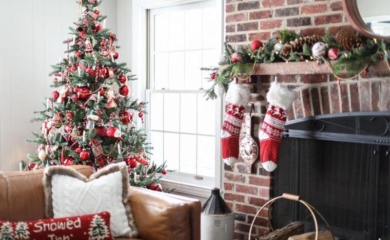cómo adornar un árbol de navidad rojos