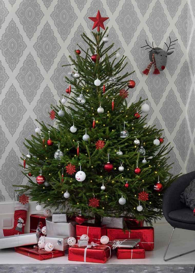 cómo adornar un árbol de navidad sencillo