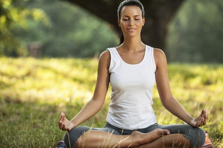 cómo controlar el estres yogica