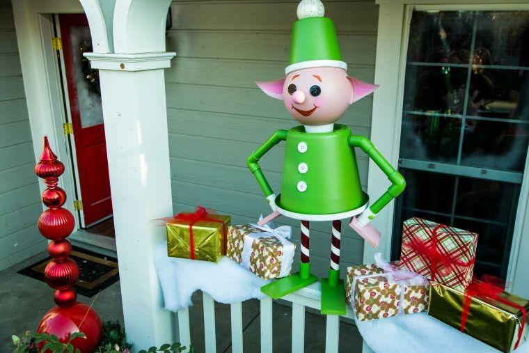 duendes navideños exterior