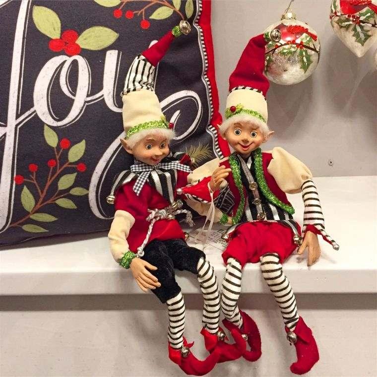 duendes navideños juntos