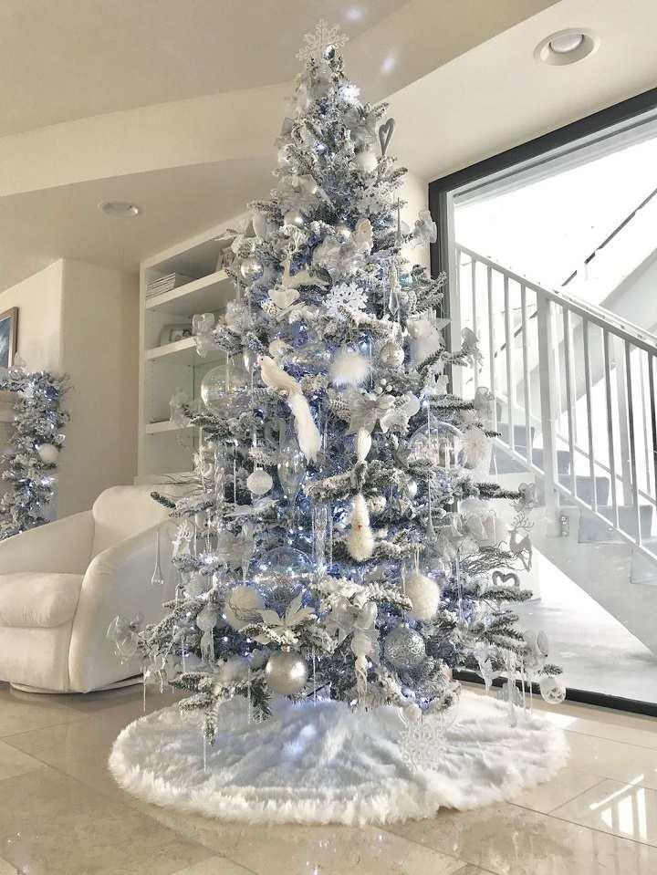 elegante-muestra-arbol-navideno